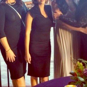 Dresses & Skirts - Black form fitting dress